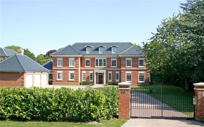 Guide Price £2,795,000, 6 Bedroom Detached House For Sale in Farnham, GU9