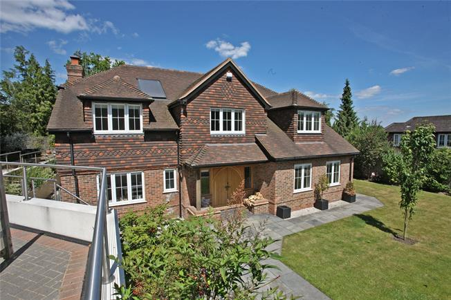 Guide Price £1,295,000, 5 Bedroom Detached House For Sale in Dockenfield, GU10