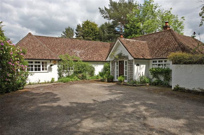 Guide Price £995,000, 4 Bedroom Bungalow For Sale in Farnham, GU10