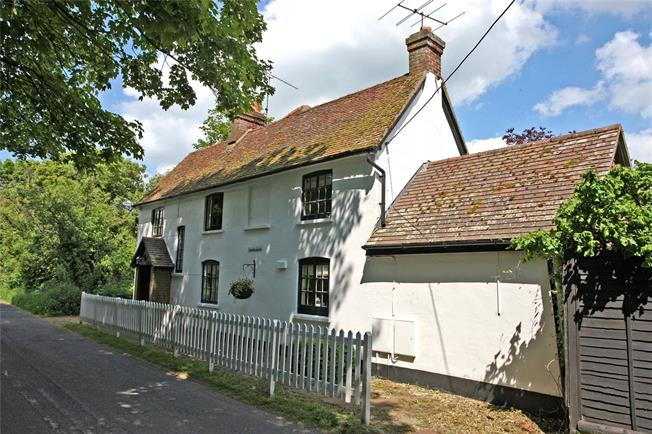 Guide Price £1,000,000, 4 Bedroom Detached House For Sale in Odiham, RG29