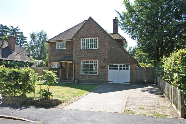 Guide Price £985,000, 4 Bedroom Detached House For Sale in Surrey, GU9