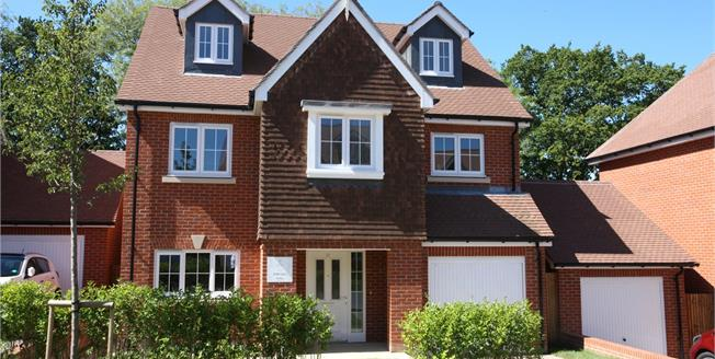 Guide Price £679,995, 4 Bedroom Detached House For Sale in Ash Green, Surrey, GU12