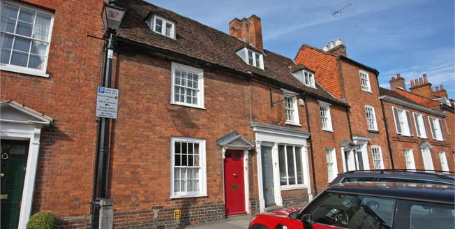 Guide Price £515,000, 2 Bedroom Terraced House For Sale in Farnham, GU9