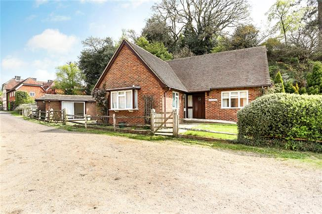 Guide Price £625,000, 4 Bedroom Detached House For Sale in Surrey, GU10
