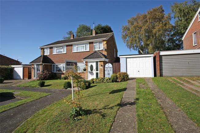 Guide Price £399,950, 3 Bedroom Semi Detached House For Sale in Farnham, GU9