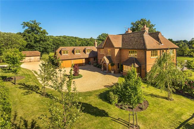 Guide Price £2,250,000, 5 Bedroom Detached House For Sale in Farnham, GU10