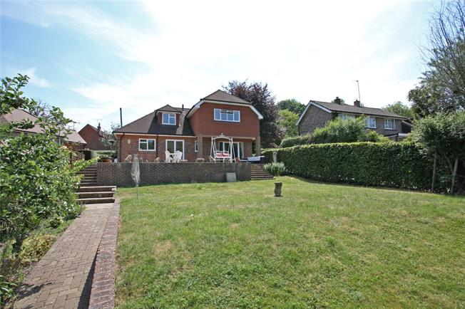 Guide Price £760,000, 4 Bedroom Detached House For Sale in Dockenfield, GU10
