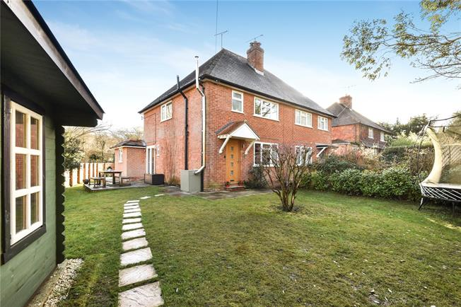 Guide Price £475,000, 3 Bedroom Semi Detached House For Sale in Churt, GU10