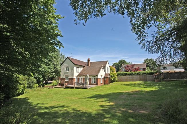 Guide Price £1,095,000, 4 Bedroom Detached House For Sale in Rowledge, GU10
