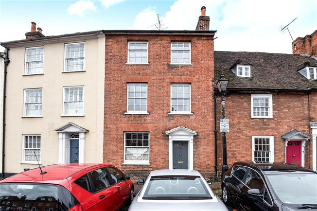 Guide Price £695,000, 4 Bedroom Terraced House For Sale in Farnham, GU9