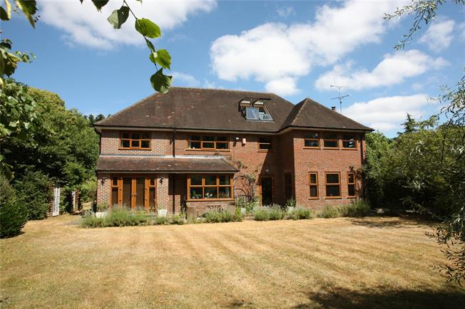 Guide Price £1,795,000, 5 Bedroom Detached House For Sale in Surrey, GU9
