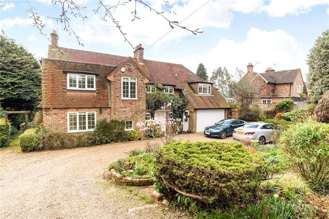 Asking Price £995,000, 5 Bedroom Detached House For Sale in Farnham, GU9