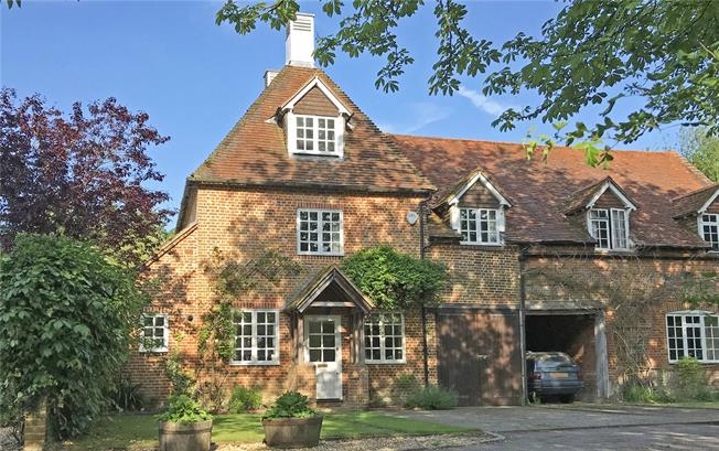Guide Price £675,000, 4 Bedroom Semi Detached House For Sale in Ash Green, GU12
