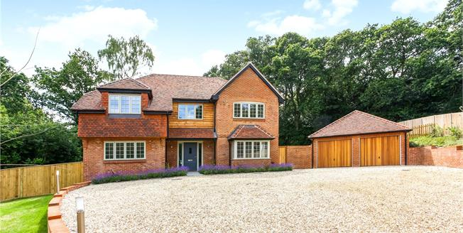 Guide Price £1,500,000, 5 Bedroom Detached House For Sale in Farnham, GU9