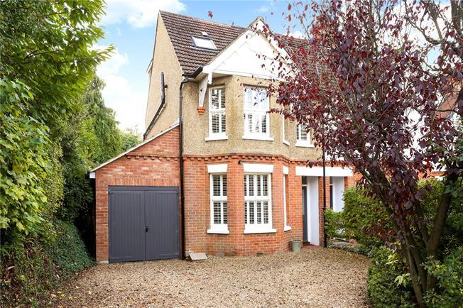 Guide Price £765,000, 5 Bedroom Semi Detached House For Sale in Farnham, GU9