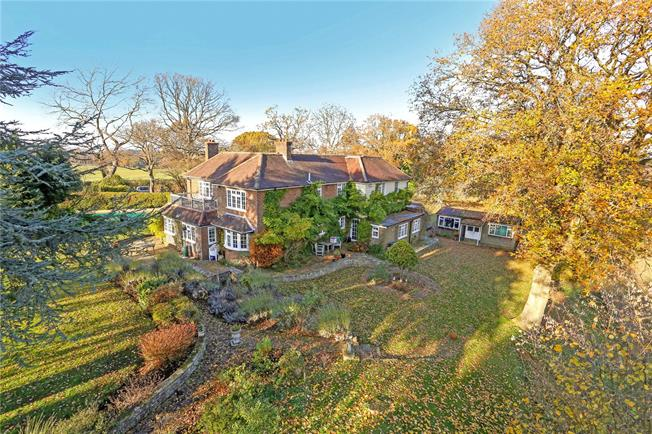 Guide Price £1,399,950, 5 Bedroom Detached House For Sale in Churt, GU10