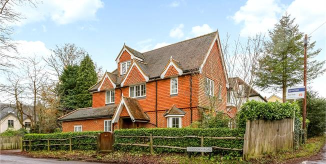 Guide Price £925,000, 5 Bedroom Detached House For Sale in Lower Bourne, GU10