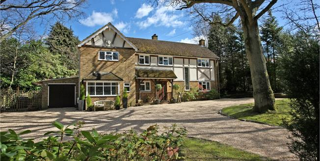 Guide Price £1,100,000, 4 Bedroom Detached House For Sale in Seale, GU10