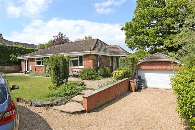 Guide Price £780,000, 4 Bedroom Bungalow For Sale in Farnham, Surrey, GU10
