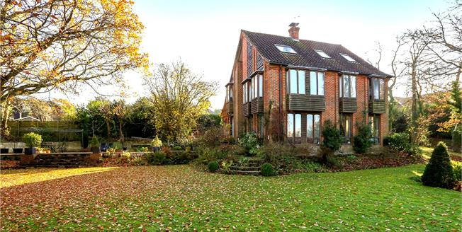 Guide Price £895,000, 6 Bedroom Detached House For Sale in Wrecclesham, GU10