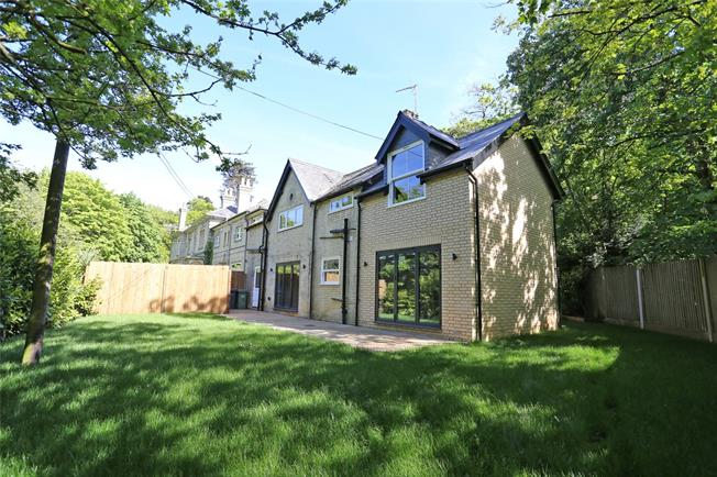 Asking Price £725,000, 3 Bedroom Detached House For Sale in Seale, GU10