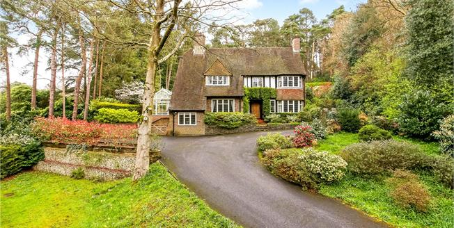 Guide Price £1,200,000, 4 Bedroom Detached House For Sale in Farnham, GU10