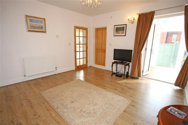 Guide Price £200,000, 1 Bedroom Flat For Sale in Aldershot, GU11