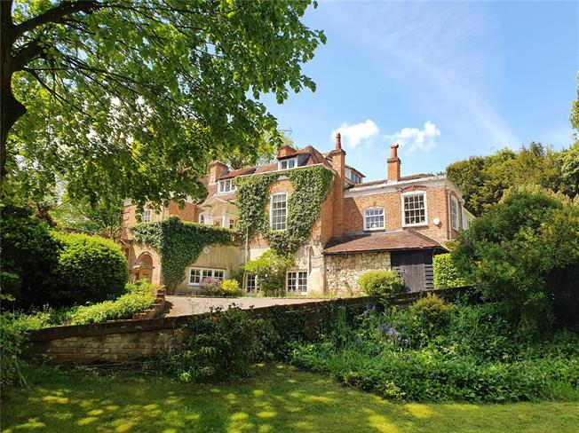 Guide Price £1,950,000, 6 Bedroom Detached House For Sale in Dippenhall, GU10