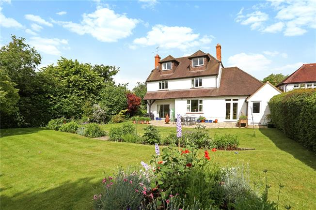Guide Price £1,200,000, 6 Bedroom Detached House For Sale in Surrey, GU9