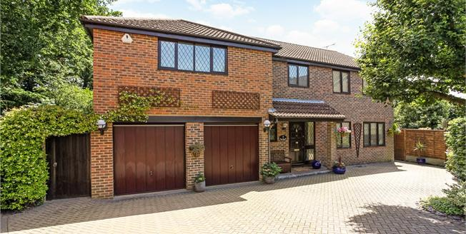 Asking Price £850,000, 6 Bedroom Detached House For Sale in Farnham, Surrey, GU9