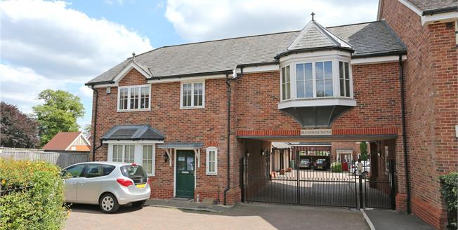 Guide Price £540,000, 3 Bedroom Semi Detached House For Sale in Farnham, GU9
