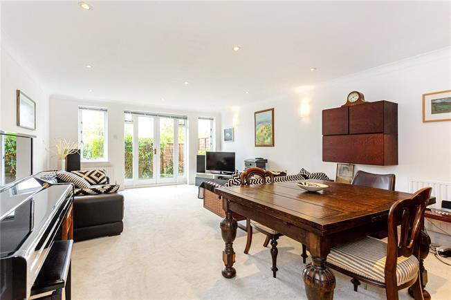 Guide Price £425,000, 2 Bedroom Flat For Sale in Surrey, GU9