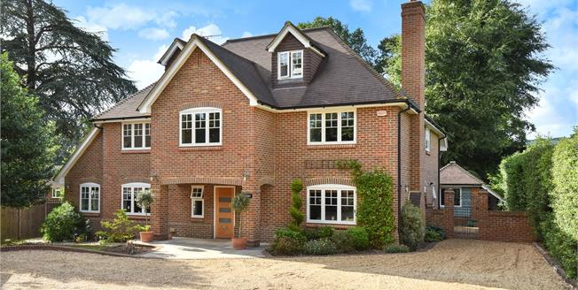 Guide Price £1,350,000, 6 Bedroom Detached House For Sale in Surrey, GU15