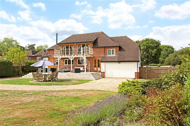 Guide Price £1,350,000, 5 Bedroom Detached House For Sale in Wokingham, Berkshire, RG40