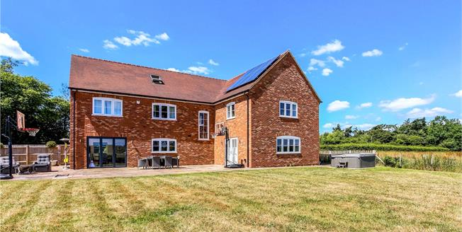 Guide Price £1,300,000, 7 Bedroom Detached House For Sale in Mattingley, RG27