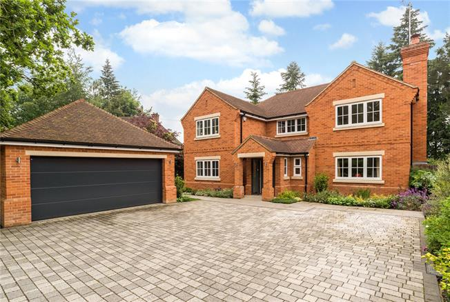 Guide Price £1,200,000, 5 Bedroom Detached House For Sale in Camberley, GU15