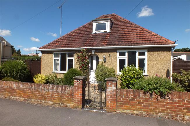 Guide Price £475,000, 3 Bedroom Bungalow For Sale in Hampshire, GU51