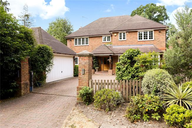 Guide Price £1,050,000, 6 Bedroom Detached House For Sale in Camberley, GU15