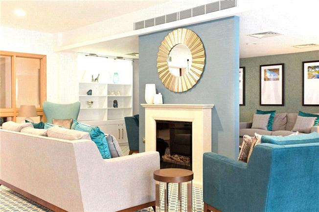 Guide Price £338,500, 2 Bedroom Flat For Sale in Church Crookham, GU52