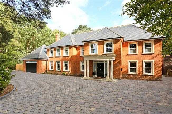 Guide Price £2,350,000, 6 Bedroom Detached House For Sale in Sandhurst, GU47