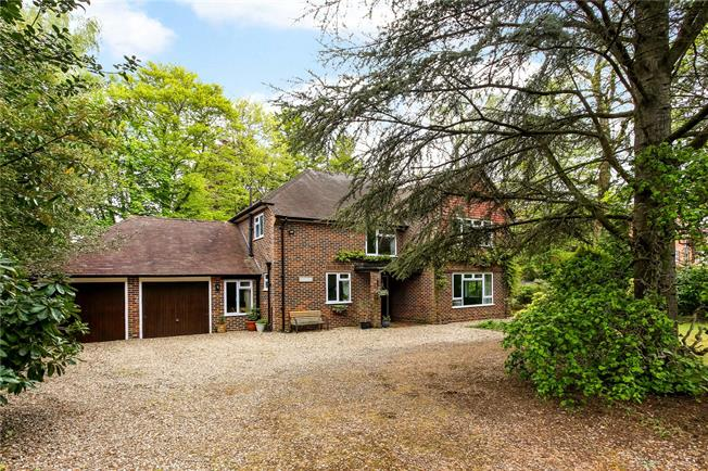 Guide Price £875,000, 4 Bedroom Detached House For Sale in Hampshire, GU51