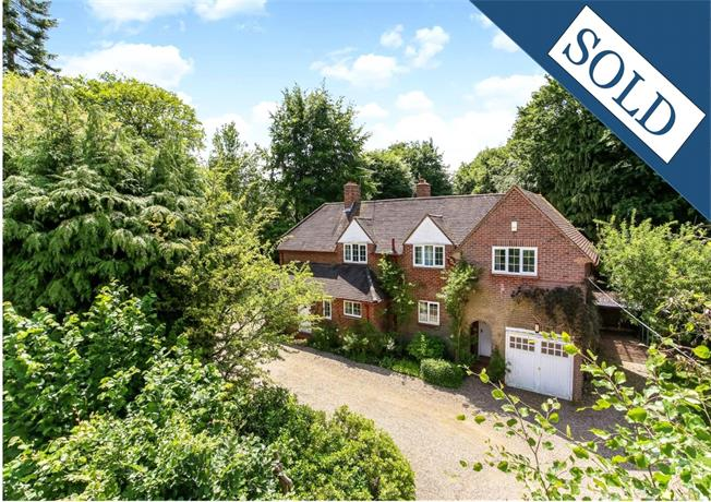 Guide Price £1,180,000, 5 Bedroom Detached House For Sale in Hampshire, GU51