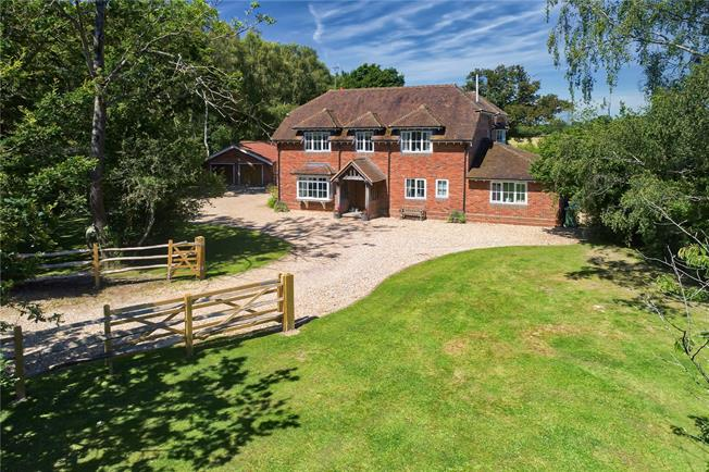 Asking Price £1,550,000, 4 Bedroom Detached House For Sale in Winchfield, RG27
