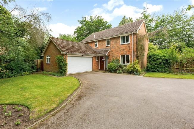 Asking Price £675,000, 4 Bedroom Detached House For Sale in Fleet, GU51