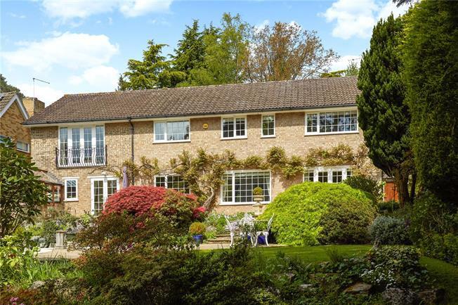 Guide Price £1,195,000, 5 Bedroom Detached House For Sale in Surrey, GU15