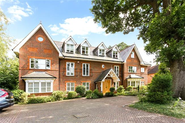 Guide Price £475,000, 2 Bedroom Flat For Sale in Camberley, GU15
