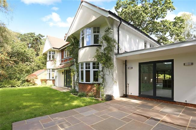 Guide Price £1,750,000, 5 Bedroom Detached House For Sale in Hampshire, GU51