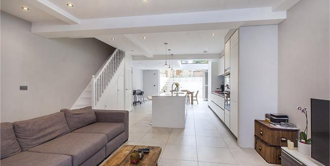 Asking Price £2,250,000, 4 Bedroom House For Sale in London, SW6