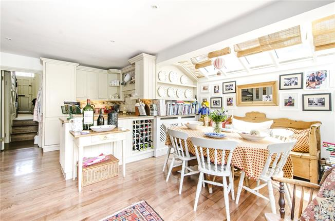 Guide Price £2,000,000, 4 Bedroom Terraced House For Sale in London, SW6