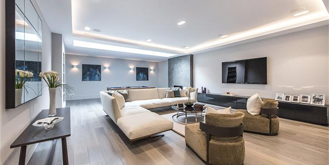 Guide Price £3,750,000, 6 Bedroom House For Sale in London, SW6